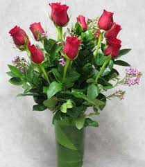 Nyc Flower Delivery Surprise Someone Special In Your Life With A Feminine Nyc Flower