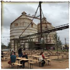 10 things you need to know about magnolia market at the silos