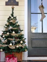 burlap christmas tree 9 diy christmas ideas of decorating with burlap