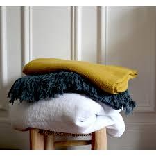 serviette de bain bio serviette de toilette nid d u0027abeille en lin lavé curcuma