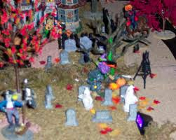 miniature halloween village halloweenvillage2003 55 jpg
