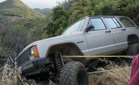 jeep crate sticky situation scor to the rescue for a jeep on the edge