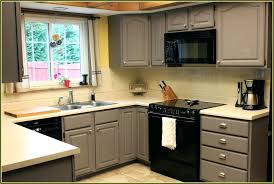 remove grease from kitchen cabinets how to clean grease off kitchen cabinets mydts520 com
