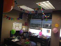 decorating coworkers desk for birthday office anniversary decoration ideas homelivings decor ideas