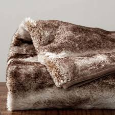 How To Make A Faux Fur Rug 9 Best Faux Fur Throw Blankets For Fall 2017 Soft Luxe Faux Fur