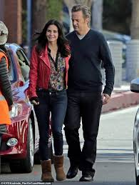 Cougar Town Memes - courteney cox and matthew perry let the good times roll again on