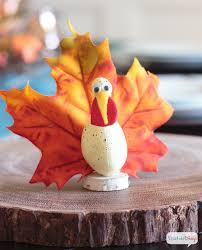 thanksgiving turkey crafts to make with leaves atta says