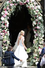 Wedding Arches Newcastle Declan Donnelly Kisses New Wife Ali Astall After Newcastle Wedding