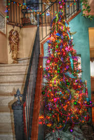 foyer multi color tree new years