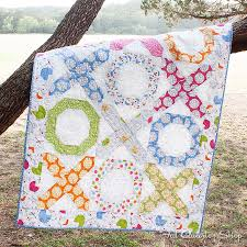 download this free quilt pattern hugs u0026 kisses featuring precious
