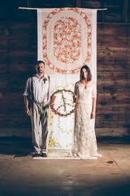wedding backdrop linen 40 creative indoor ceremony backdrops make a batik a bit