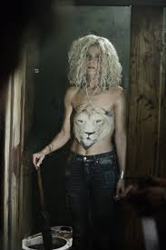 sheri moon zombie taking a break during filming of rob zombie u0027s