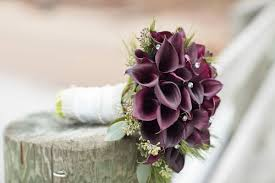 wedding bouquets 17 wow worthy winter wedding bouquets