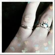 avery claddagh ring the claddagh ring encorporates three symbols the signifying