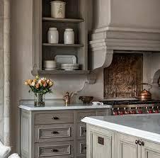 repeindre une cuisine rustique repeindre sa cuisine rustique idées de design suezl com