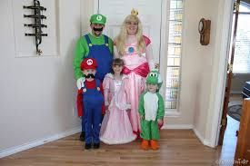 halloween costumes for families moose and tater