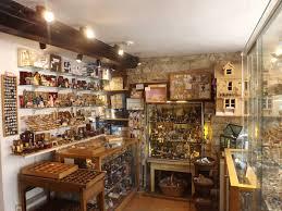 antique shop vintage design interior room wallpaper 1600x1200