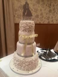 wedding cake edinburgh wedding cakes edinburgh novelty cakes scotland
