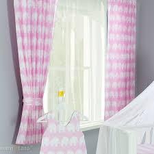 chambre bébé rideaux rideau chambre bébé avec motif éléphant pour enfant l jurassien