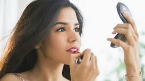 Hair Makeup When To Start Your Hair Makeup Nails And More On Prom Night