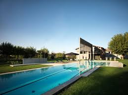 2 house with pool 100 pool houses to be proud of and inspired by