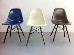 ray and charles eames herman miller vitra side chair dsw blue