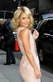 how do they curl kelly rippas hair kelly ripa attends the kelly ripa and electrolux virtual lemonade