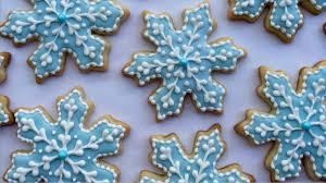 snowflake sugar cookies how to decorate snowflake cookies