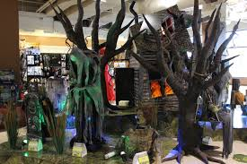 halloween store com halloween 2015 sighted spirit halloween store and the zombie