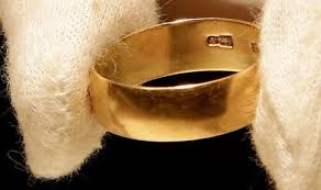 widow wedding ring harvey oswald s wedding ring his widow and an anonymous