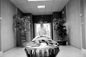 de chambre mortuaire salaire soins ultimes reportage photo au sein d une chambre mortuaire