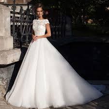 designer wedding dresses 2017 a line v neck appliqued lace long