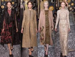 what distinguishes the style of valentino clothing