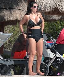 jwoww hits back at body shamers on holiday with fiancé roger and