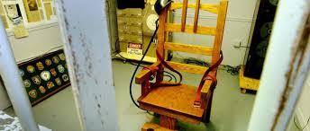 la chaise electrique la chaise électrique a été inventée par un dentiste