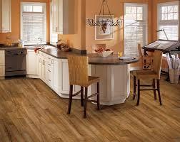 vinylboden für küche bodenbelag für küche 6 ideen für unterschiedliche materialien