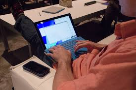 Laptop Couch Desk by Hands On Using Microsoft U0027s Surface Pro 3 As A Laptop U2014on My Lap