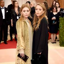 see mary kate and ashley olsen in these totally unique bridesmaid