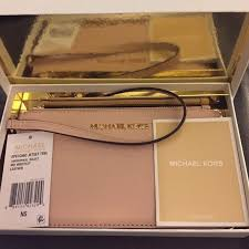 light pink michael kors wristlet michael kors handbags hold nwt michael kors specchio wristlet