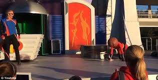 the incredibles wedding band elastigirl s falls on stage at disney world daily