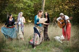what do pagans wear is there a pagan dress code