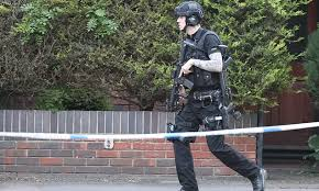 siege chanel armed on of siege in oxford daily mail
