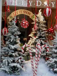 christmas displays time for the holidays pretty christmas storefronts christmas