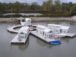 Floating Houses Floating Homes Lake Erie Floating Homes A Revolutionary