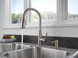 Peerless Pull Down Kitchen Faucet Review P88103lf Sssd L Kitchen Single Handle Pull Down Faucet