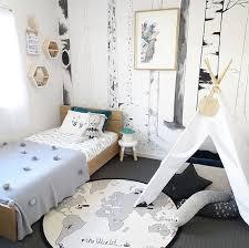 chambre foret shop the room décoration chambre garçon forêt mamans