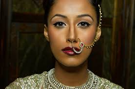 make up artist app we take a closer at just how ganga bhambra make up artist has