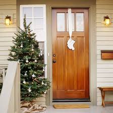Christmas Outside Door Decorations by 20 Creative Christmas Front Door Decorations