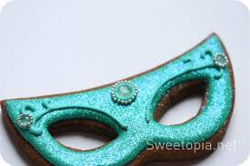 green mardi gras mask how to make mardi gras decorated cookies sweetopia