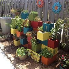 idee de jardin moderne aménagement jardin créatif et original à l u0027aide des parpaings